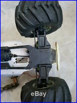 Kyosho mega force roller, mad force twin force rc monster parts vintage rare