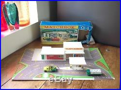 RARE c1961-65 VINTAGE BOXED LESNEY MATCHBOX G-1 SERVICE STATION PART SET TOY CAR