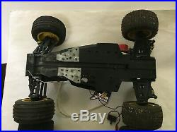 Rare Kyosho Vintage Outlaw Rampage Pro Nitro Gas 1/10 scale with Parts truck car
