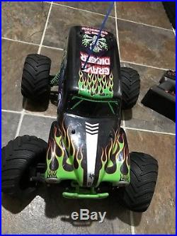 Rc 1/10 Rare Traxxas Monster Jam Grave Digger 2wd Rtr Vintage
