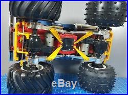 Use Vintage Tamiya 1/10 BullHead R/C Monster Truck with Spike Tire ESC 2.4GHz